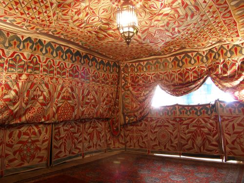 The 'Tent Room' of Doddington Hall - a spectacular Khayamiya Tent in the UK